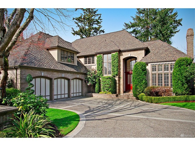 Whether buying or selling in One Clubhouse Lane call the Mukilteo Home Team at 206-445-8034